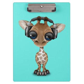 Écouteurs de port de girafe mignonne de bébé porte-bloc