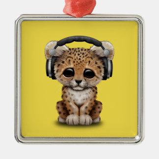 Écouteurs de port de léopard mignon de bébé ornement carré argenté