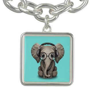 Écouteurs de port et verre du DJ d'éléphant mignon Bracelets Avec Breloques