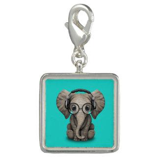 Écouteurs de port et verre du DJ d'éléphant mignon Breloque Avec Photo