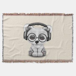 Écouteurs de port mignons d'ours blanc de bébé couvre pied de lit