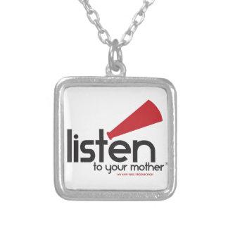 Écoutez vos cadeaux de mère pendentif carré