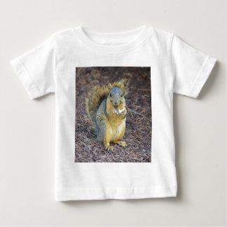 Écureuil affamé heureux t-shirt pour bébé