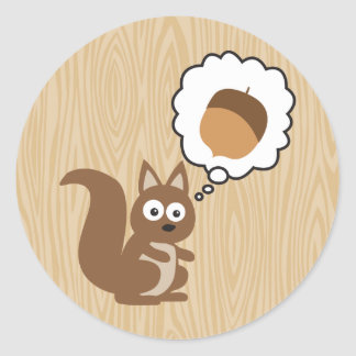 Écureuil pensant à l'écrou adhésifs ronds