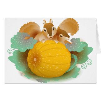 écureuils dans la correction de citrouille carte de vœux