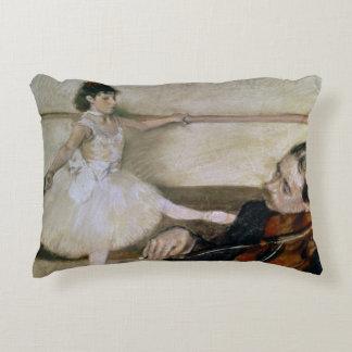 Edgar Degas | la leçon de danse, c.1879 Coussins Décoratifs
