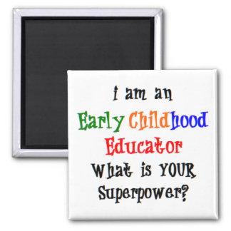éducateur de petite enfance aimant