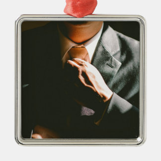 Effet d'ombre de cravate d'homme d'affaires de ornement carré argenté
