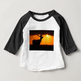 Élans au coucher du soleil t-shirt pour bébé