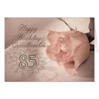 Élégant s'est levée la 85th carte d'anniversaire
