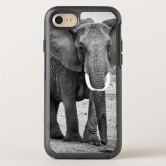 Éléphant africain femelle et trois veaux, Kenya Coque Otterbox Symmetry Pour iPhone 7