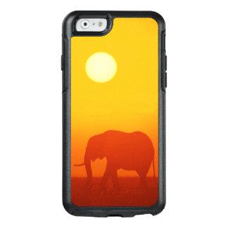 Éléphant africain marchant au coucher du soleil, coque OtterBox iPhone 6/6s