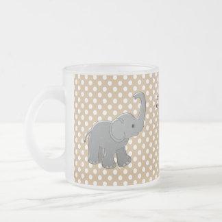 éléphant brun de baby shower tasse