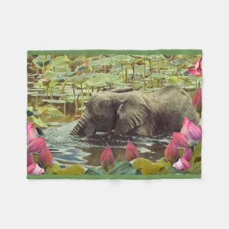 Éléphant de bébé couverture polaire