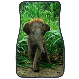 Éléphant de bébé tapis de voiture