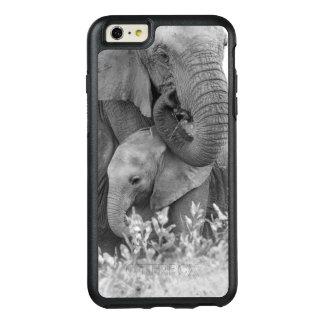 Éléphant femelle Re-Assurant deux veaux (Samburu) Coque OtterBox iPhone 6 Et 6s Plus