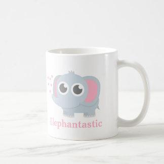 Éléphant mignon de bébé avec amour pour des filles mug