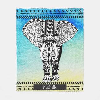 Éléphant modelé par tribal jaune bleu d'aquarelle couverture polaire