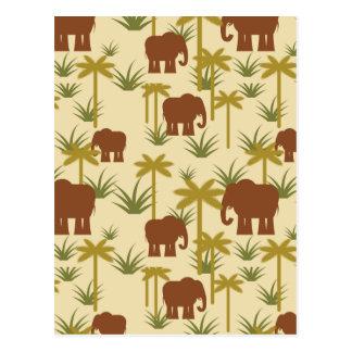 Éléphants et paumes dans le camouflage carte postale