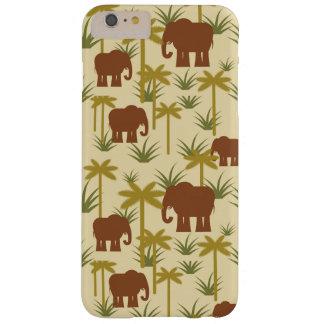 Éléphants et paumes dans le camouflage coque barely there iPhone 6 plus