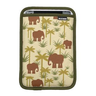 Éléphants et paumes dans le camouflage housse pour iPad mini
