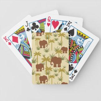 Éléphants et paumes dans le camouflage jeu de poker