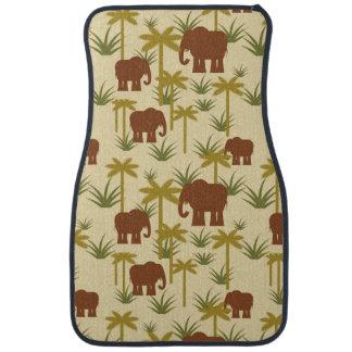 Éléphants et paumes dans le camouflage tapis de sol