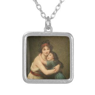 Elisabeth et sa fille pendentif carré