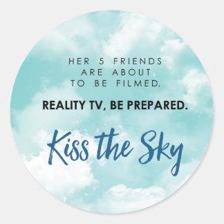 Embrassez l'autocollant de ciel sticker rond