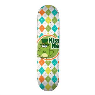 Embrassez-moi Motif à motifs de losanges coloré Skateboard