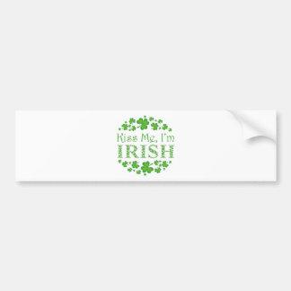 Embrassez-moi que je suis irlandais autocollant pour voiture