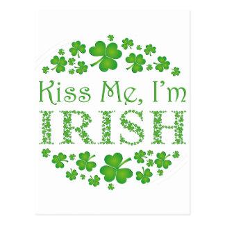 Embrassez-moi que je suis irlandais carte postale