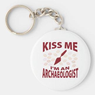 Embrassez-moi que je suis un archéologue porte-clé rond