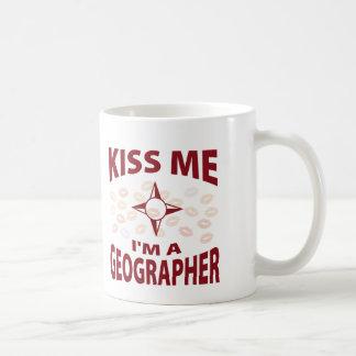 Embrassez-moi que je suis un géographe mug