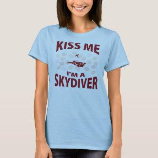 Embrassez-moi que je suis un parachutiste t-shirt