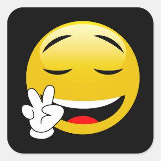Emoji avec des mains de signe de paix sticker carré