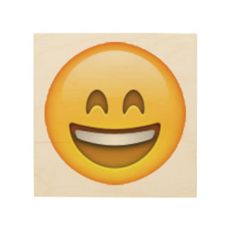 Emoji - yeux fermés de sourire art mural sur bois