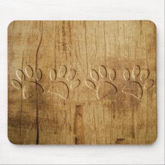 Empreinte de patte en bois découpé de chien tapis de souris