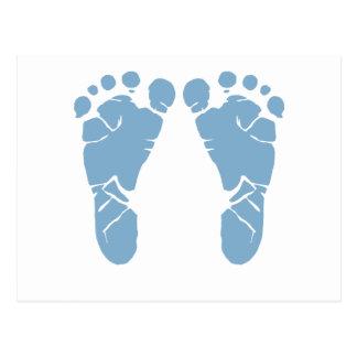 Empreintes de pas de bébé bleu carte postale