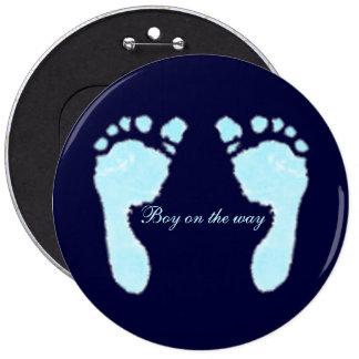 Empreintes de pas de bébé (garçon) badge rond 15,2 cm