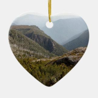 En avant vallée, région sauvage tasmanienne ornement cœur en céramique