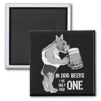 En bières de chien pour l'arrière - plan foncé aimants