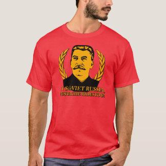 En Russie soviétique, la moustache vous monte ! T-shirt