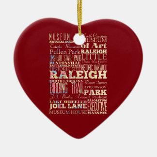 Endroits célèbres de Raleigh, la Caroline du Nord. Ornement Cœur En Céramique