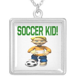 Enfant du football pendentif carré