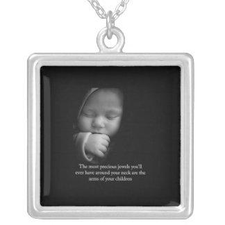 Enfant précieux pendentif carré