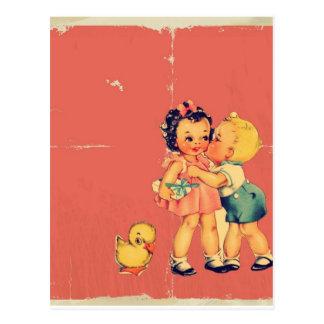 Enfant vintage de rétro de vieille école kitsch de carte postale