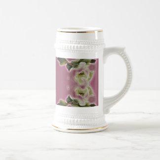 Enfantez la tasse de cadeau de jour du ` s - roses