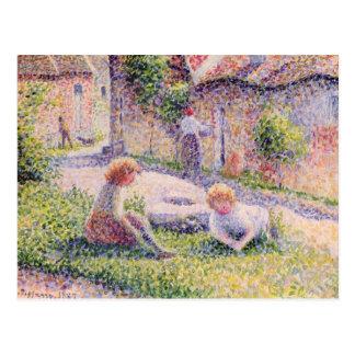 Enfants à une ferme par Camille Pissarro Carte Postale