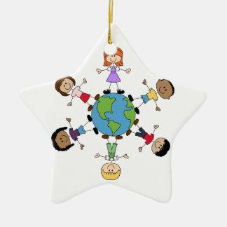 Enfants autour du monde ornement étoile en céramique